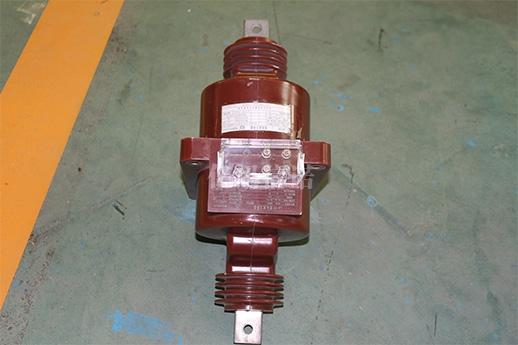 LA-10电流互感器